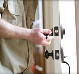 Town Center Locksmith Shop Denver, CO 303-729-3997